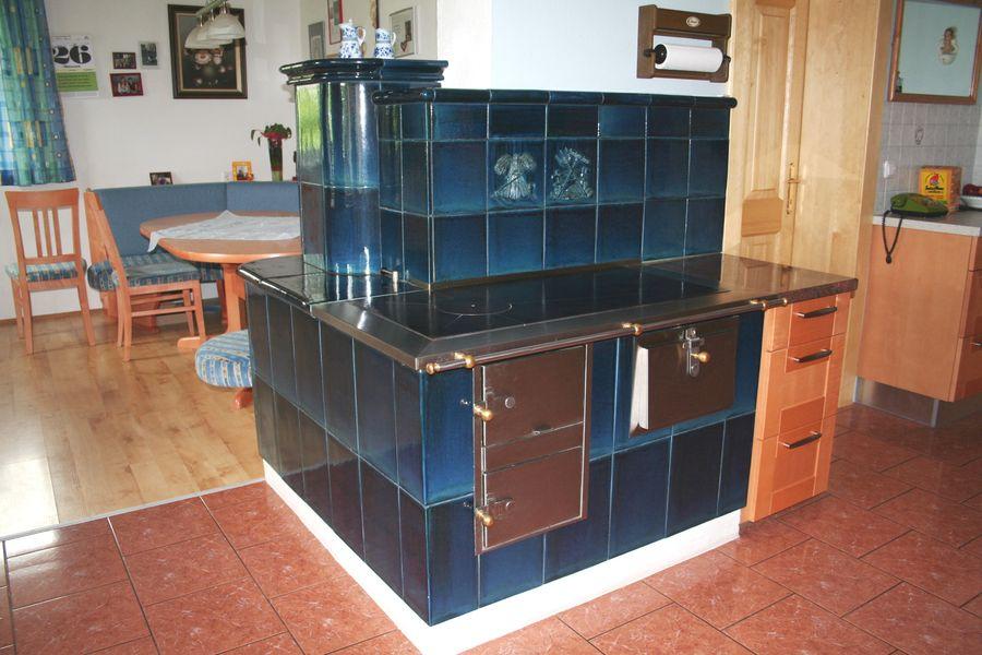 moderner Kochherd in einer Wohnküche