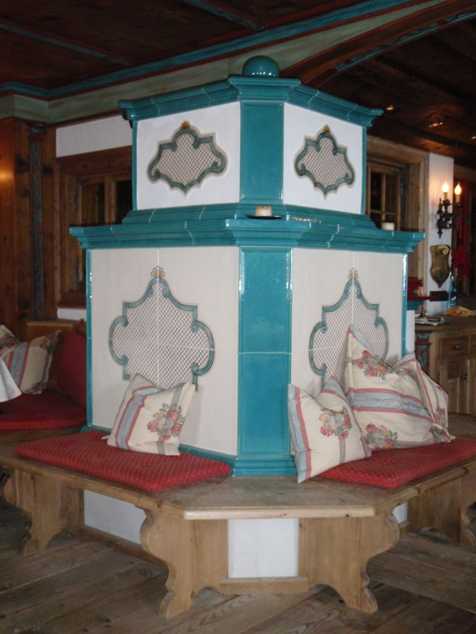 Grundofen für Hotel mit gemalten Dekor