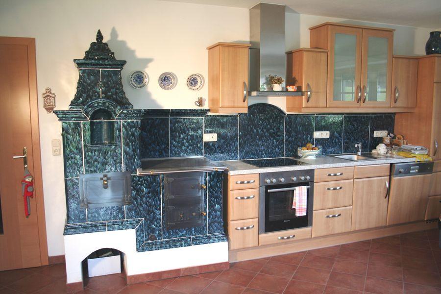 Sesselherd in blau als Küchenverlängerung