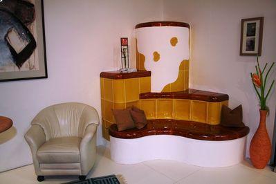 Kachelofen mit beheizter sitzbank