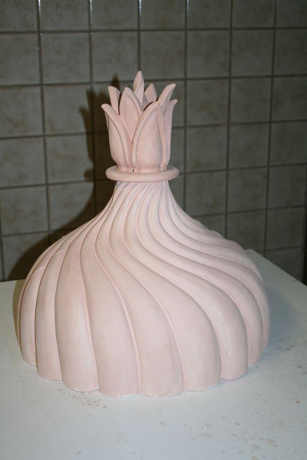 Reproduzierte keramische Kuppel noch unglasiert