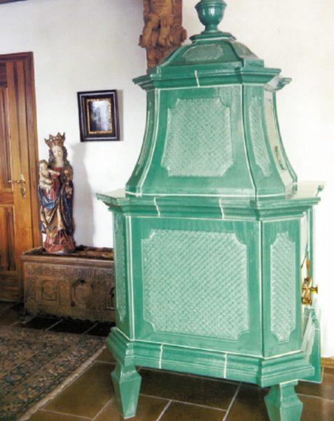 eleganter Kacheofen für Wohnzimmer, wohzimmerofen, Pastellgrün