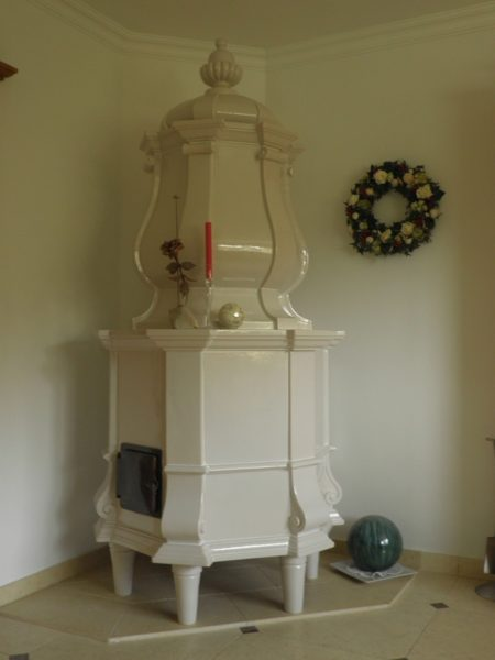barocker Kachelofen für eine Villa